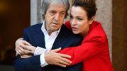 """Con Stefania Rocca durante il photocall del film """"Non si ruba a casa dei ladri"""" (Ansa)"""