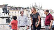 Carlo Vanzina con gli attori Christiane Filangieri e Carlo Buccirosso (Ansa)