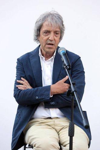 Carlo Vanzina ricorda Paolo Villaggio al Teatro Ettore Scola nella Casa del Cinema (Ansa)