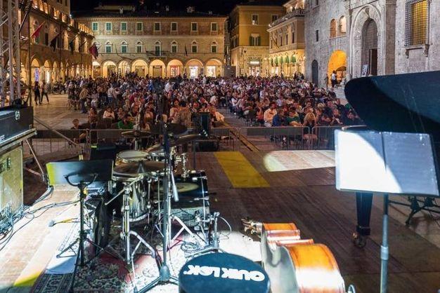 Stefano Bollani show in piazza del Popolo