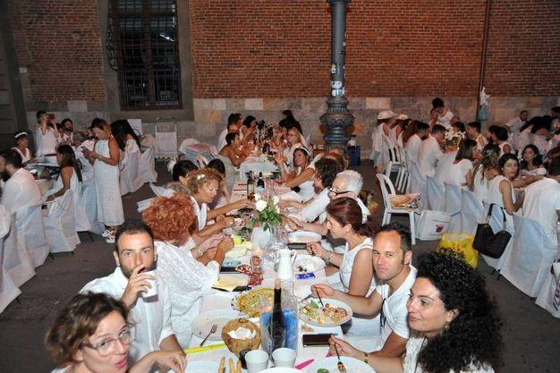 La cena in bianco (Valtriani / Cappello)