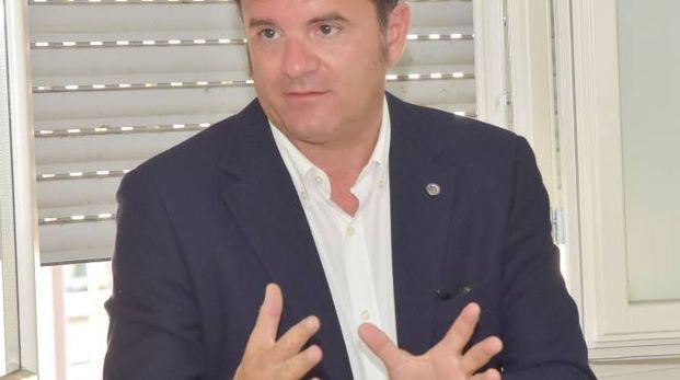 Il ministro Gian Marco Centinaio all'incontro coi sindacati