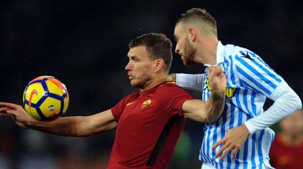 Francesco Vicari contro Edin Dzeko (foto Businesspress)