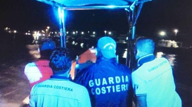 La guardia costiera in azione a Porto Garibaldi