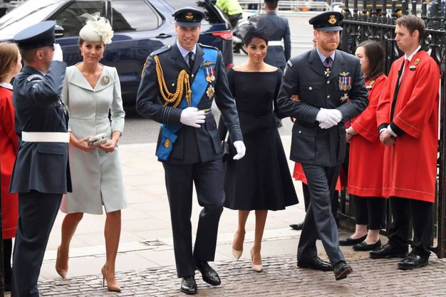 Catherine Middleton con il Principe William e Meghan Markle con il Principe Harry (Ansa)