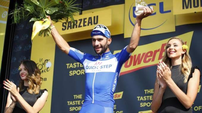 Fernando Gaviria festeggia dopo la tappa 4 (Ansa)
