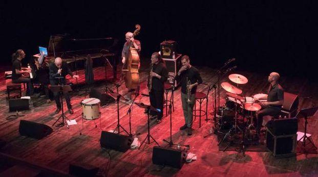 Peppe Servillo in concerto al teatro Fabbri