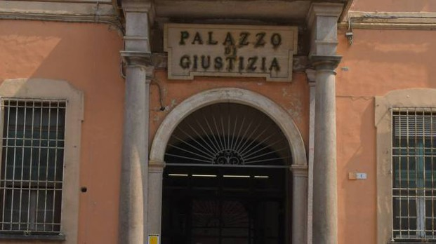 Il tribunale di Pavia (Torres)