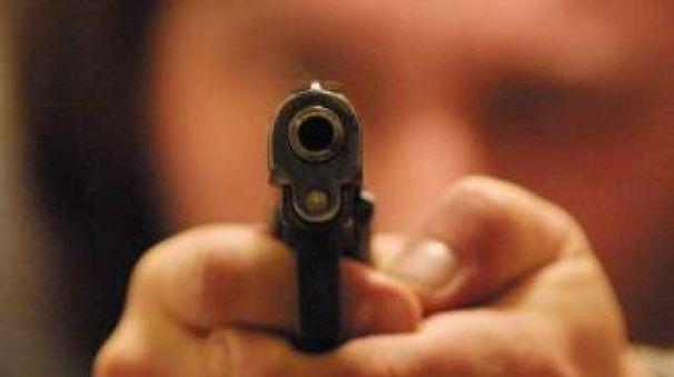 Armato di pistola