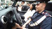 La sindaca di Riccione Renata Tosi testa la nuova vettura (Migliorini)
