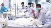 Thailandia i bambini estratti dalla grotta in ospedale (Ansa)