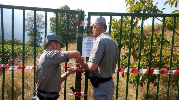 I carabinieri forestali mettono i sigilli