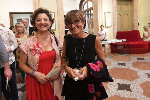 Antonella Pasquariello in compagnia di un'amica (Foto Schicchi)