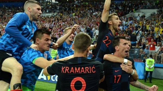 La gioia della Croazia dopo il 2-1 che vale la finale dei Mondiali (Ansa)