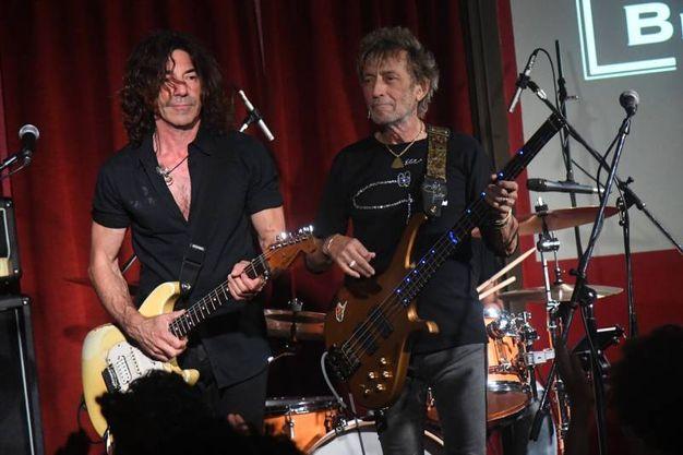 Stef Burns e il 'Gallo' hanno suonato al fianco del rocker più famoso d'Italia, Vasco Rossi (Foto Schicchi)