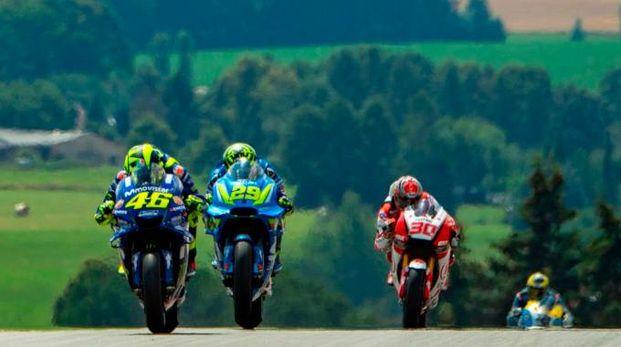 Valentino Rossi, Andrea Iannone e Takaaki Nakagami (Lapresse)