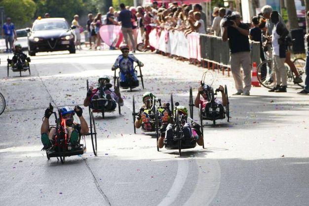 Il Giro d'Italia handbike a Prato (foto Gianni Attalmi)