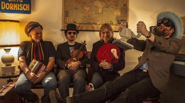 La band Extraliscio con Mirco Mariani, Moreno  'il Biondo', Mauro Ferrara