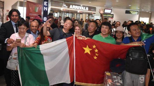 Aeroporto Marconi, primo volo dalla Cina (FotoSchicchi)