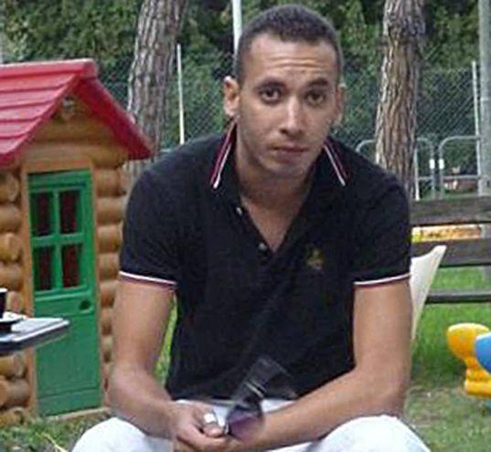 Ha confessato il delitto Zakaria Safri, nato a Kenitra, il 1° febbraio 1980. Ultimamente faceva l'imbianchino.