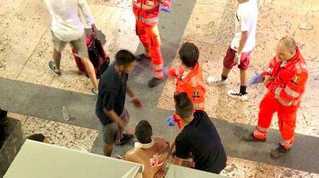 Rissa e accoltellamento in corso Palestro a Brescia