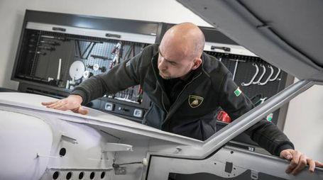 Un dipendente della Lamborghini