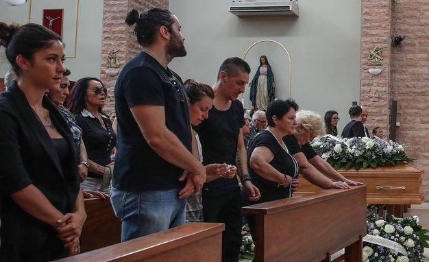 I figli e i parenti al funerale di Sabrina Malipiero (Fotoprint)