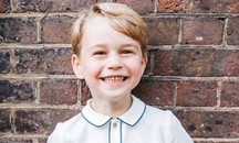 George di Cambridge, la foto ufficiale di compleanno di Kensington Palace (Instagram)
