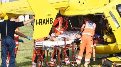 Sul posto sono arrivati i sanitari del 118 con l'elisoccorso (Foto Migliorini)