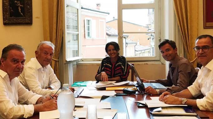 La commissione tecnica che questa mattina è al lavoro in comune, il secondo da sinistra è Alberto Zaccheroni