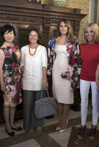 Melania Trump tra le altre fiorst lady a Taormina (Ansa)