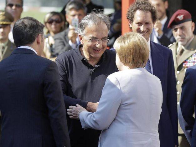 """""""Storicamente, in Italia, per accontentare tutti, abbiamo sempre accettato compromessi e mediazioni, e abbiamo esaltato forme di attività corporative che hanno minimizzato il cambiamento. È questo atteggiamento che ha frenato l'Italia nel diventare un Paese competitivo. È questo atteggiamento che rende gli investimenti stranieri in Italia scarsi e rari. È questo atteggiamento che, perlomeno in parte, continua a tenere l'Italia in posizione difensiva e imbarazzata verso il resto dell'Europa"""""""