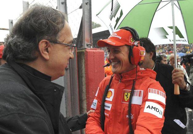 Sergio Marchionne e Michael Schumacher nel 2008 (Ansa)