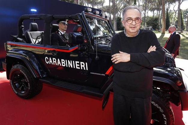 Durante la consegna della Jeep Wrangler ai Carabinieri il 26 giugno 2018 (Ansa)