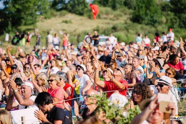 I fan  (foto ufficio stampa RisorgiMarche)