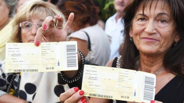 I biglietti già comprati dai fan (Adriapress)