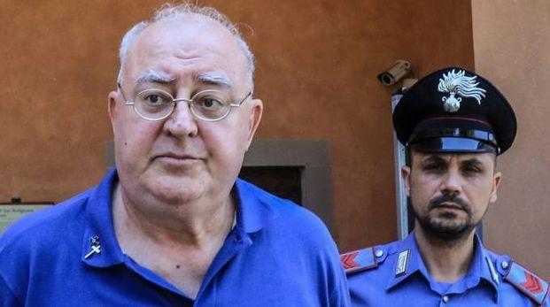 Don Paolo Glaentzer, 70 anni, prima di andare in tribunale (foto Germogli)