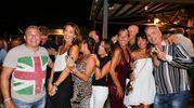 Pucci Cappelli con alcune scatenate ragazze (foto Petrangeli)