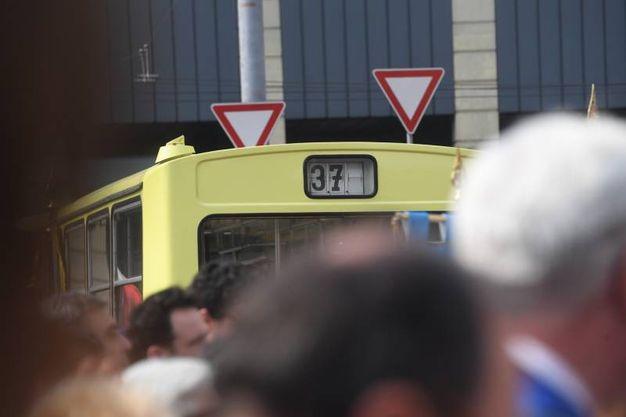 Il bus 37 in stazione (FotoSchicchi)
