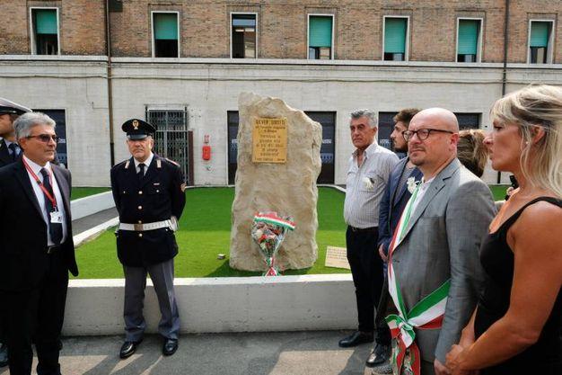 Deposizione di corone alla targa in ricordo del ferroviere Silver Sirotti, morto nella strage del treno Italicus (FotoSchicchi)