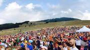 La folla (foto ufficio stampa RisorgiMarche)
