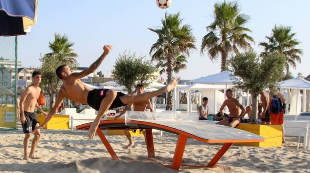 Cervia, al bagno Fantini il primo torneo dello spettacolare Teqball ...