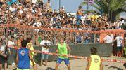 Uno dei più grandi giocatori della storia del calcio alla sfida del footvolley  (foto Monachesi)