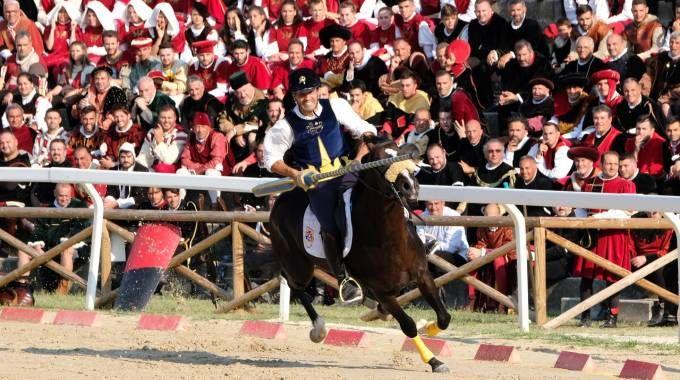 Luca Innocenzi, vincitore della Quintana (Foto LaBolognese)