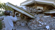 Case ed edifici crollati (Ansa)