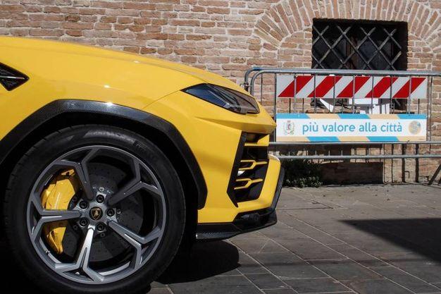 Le Lamborghini a Santarcangelo (foto Petrangeli)