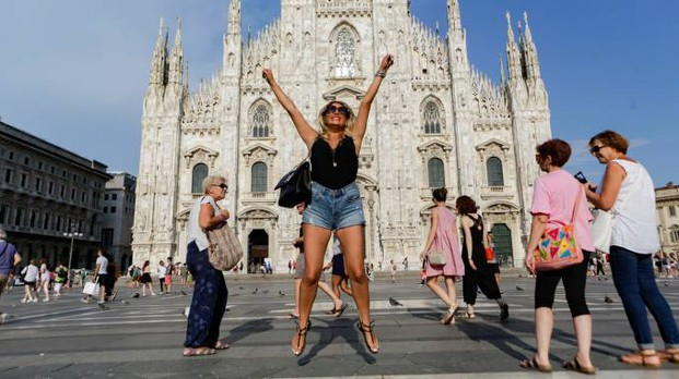 Turisti in piazza Duomo