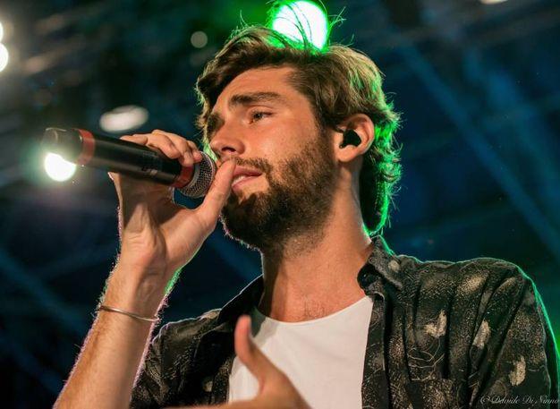 Alvaro ha calcato più volte il palco riccionese, fin dall'esordio con il brano 'El mismo sol', passando per la hit 'Sofia' (12 dischi di platino e uno di diamante) e tornando ora con uno dei pezzi più programmati dalle radio, 'La cintura', uno dei tormentoni dell'estate 2018