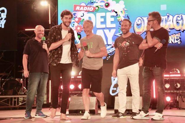 Con al cantante spagnolo sarà ospite di Deejay On Stage anche Mihail, la rivoluzione musicale che viene dalla Romania, polistrumentista, autore e produttore