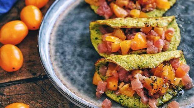 tortillas di zucchine e tartare di tonno